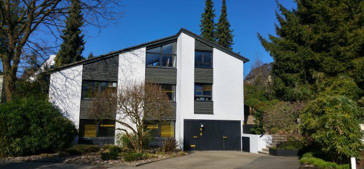 E.-Bergerhausen, Siepental: Traumhaft schöne Wohnung mit eigenem Eingang