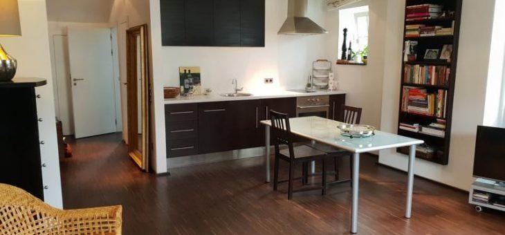 E-Bredeney: Möblierte, äußerst schicke 2-Raum-Wohnung in repräsentativem Villenanwesen! (VERMIETET)