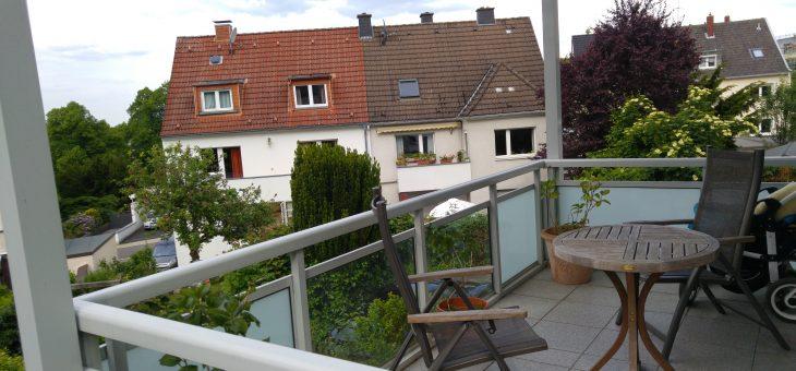 Hausgroße Wohnung mit eigenem Garten und Balkon/Terrasse! (VERMIETET)