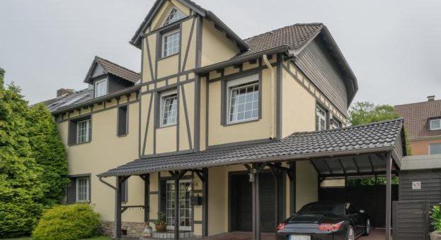 Außergewöhlich groß und familienfreundlich: Einfamilienhaus in bester Wohnlage von E-Stadtwald!