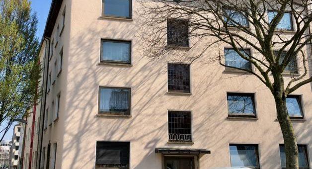 """Sonniges Dachgeschoss-Apartment mit Loggia und die """"Rü"""" in nächster Nähe! (VERMIETET)"""