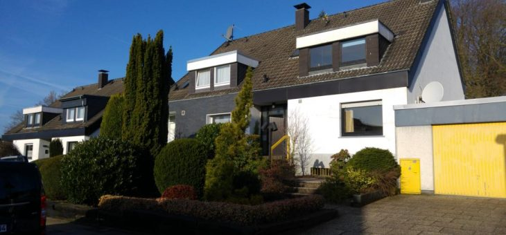 Überruhr-Holthausen: Tolles Haus mit Renovierungsbedarf auf wunderschönem Grundstück! (VERKAUFT)