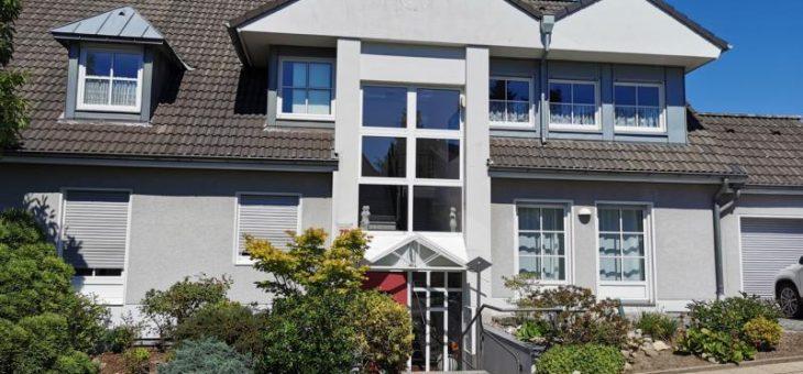 E-Burgaltedorf: Lichtdurchflutete, individuelle Wohnung mit Loft-Charakter!